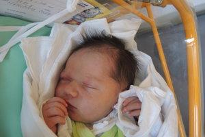 Stela Matoušková (3080 g, 49 cm) sa narodila 26. februára Silvii  Petrovi z Trenčianskych Stankoviec. Doma na sestričku čaká 8-ročná Laura.