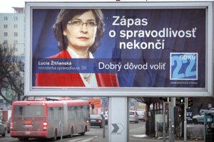 12. február 2012. Predvolebné bilbordy v uliciach Bratislavy.