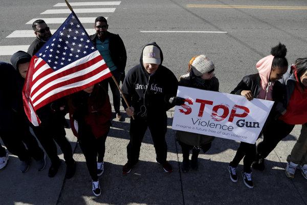 Študenti protestovali proti násiliu páchaného zbraňami aj v New Jersey.