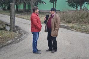 Andrej Imrich a Julián Škerlík. Na farme v Topoľovke.