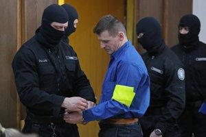 Alojz Kromka, prezývaný Lojzo Čistič, na pojednávaní v Ústave na výkon väzby v Banskej Bystrici 21. januára 2016.