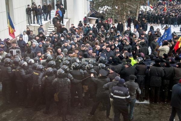 Protivládna demonštrácia v Kišinove.