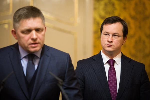 Predseda vlády Robert Fico a minister školstva Juraj Draxler počas spoločného vyhlásenia k pripravovanému štrajku časti učiteľov na Úrade vlády SR.
