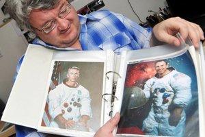 Milan Halousek má unikátnu zbierku autogramov kozmonautov.