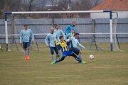 Kovarce v nedeľu porazili Práznovce 4:1 a dostali sa na prvé miesto VI. ligy ObFZ Topoľčany.