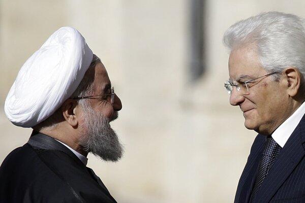 Iránsky prezident Hasan Rúhání (vľavo) a taliansky prezident Sergio Mattarella.