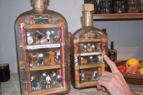 Vkladaniu modelov do fliaš sa venovali už v 18. storočí.