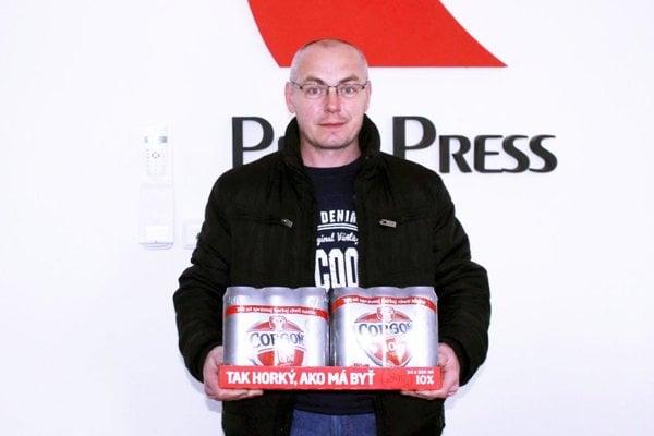 Pre kartón piva Corgoň si do redakcie prišiel Boris Lacika, víťaz 1. kole.