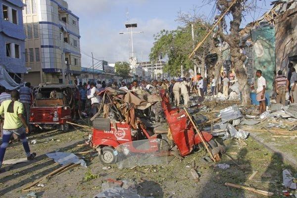 Miesto explózie auta v somálskom Mogadiše.
