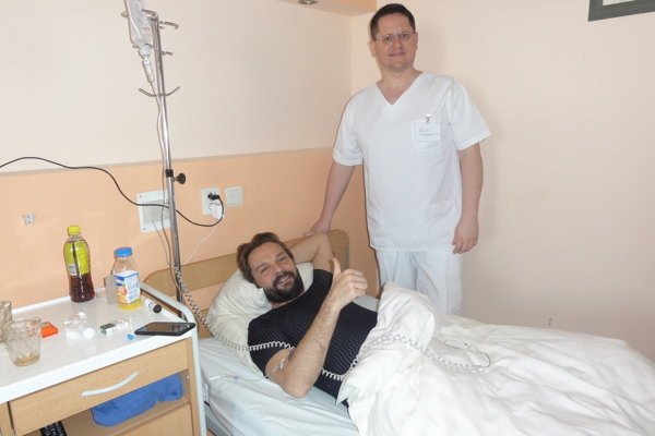 Ján Ďurovčík v starostlivosti doktora Mariána Bakoša.