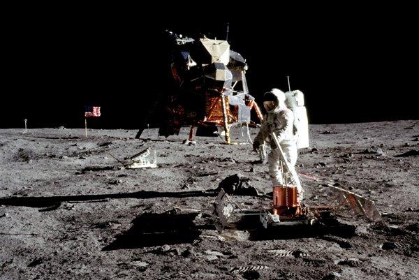 Ak by bolo prvé pristátie na mesiaci hoax, vedeli by sme to už v roku 1972.