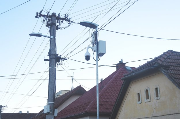 Kamery sú na kľúčových miestach v obci.