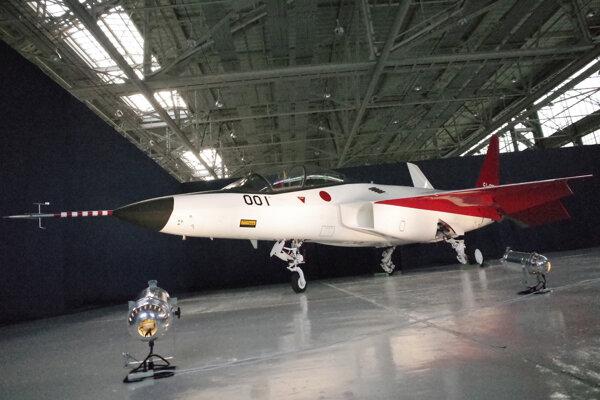 Japonské neviditeľné lietadlo X-2.