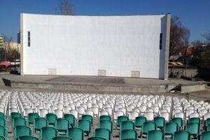 Novozámocký amfiteáter je jeden z najväčších na Slovensku.