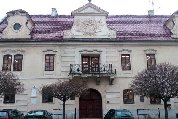 Budova mestskej knižnice v Skalici.