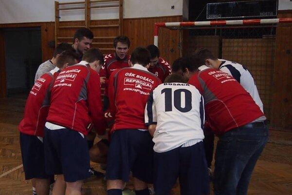 Víťazom turnaja sa stal domáci tím OŠK Bošáca.