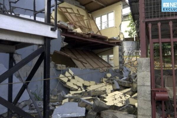 Zemetrasenie, ktoré zasiahlo Papuu-Novú Guineu asi pred mesiacom si vyžiadalo viac ako sto obetí.