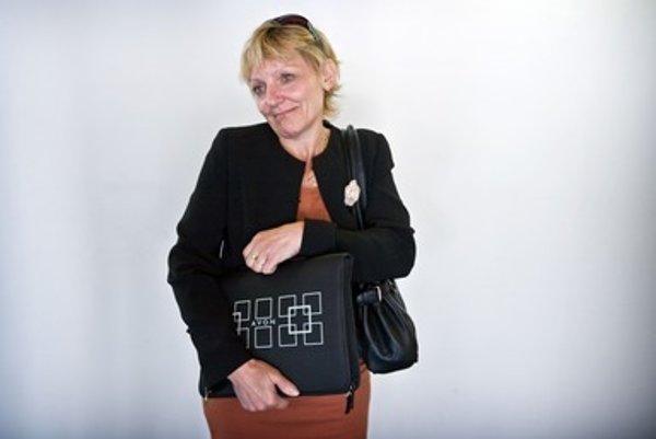 Poslankyňa Mária Ritomská vymenila OĽaNO, ktorému prieskumy dávajú okolo šesť percent za ministranu, ktorá by sa do parlamentu nedostala.