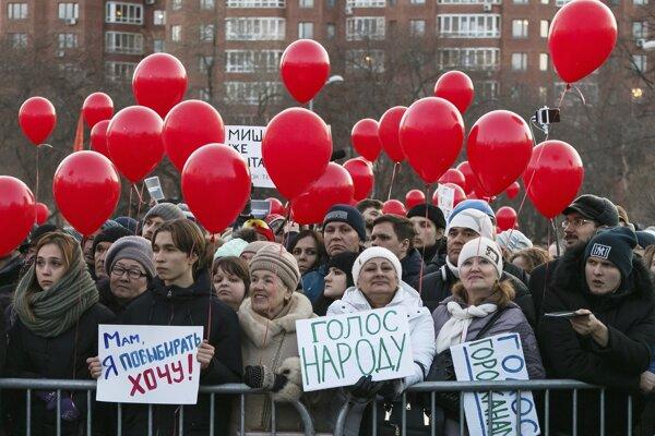 Tisíce ľudí protestovali v Jekaterinburgu.