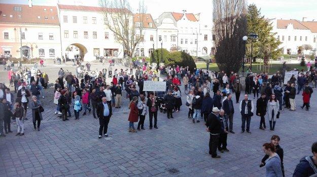 Prešovské námestie pred začiatkom protestu.