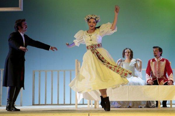 Petra Vajdová ako grófka Elisa Hrabovská v inscenácii hry Jána Palárika Zmierenie alebo Dobrodružstvo pri obžinkoch.