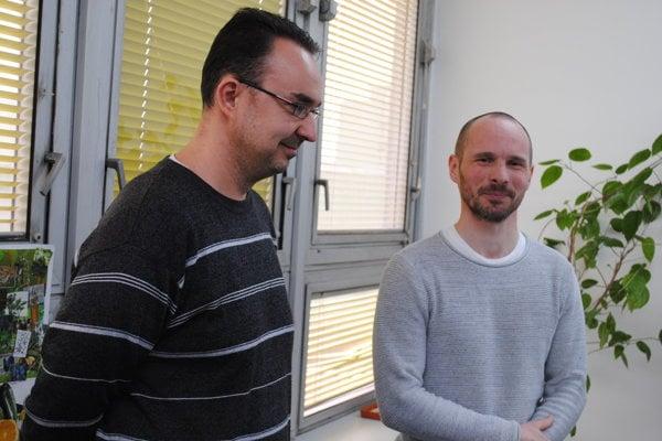 Vedci z Prešovskej univerzity. Vľavo Jozef Oboňa a Peter Manko.