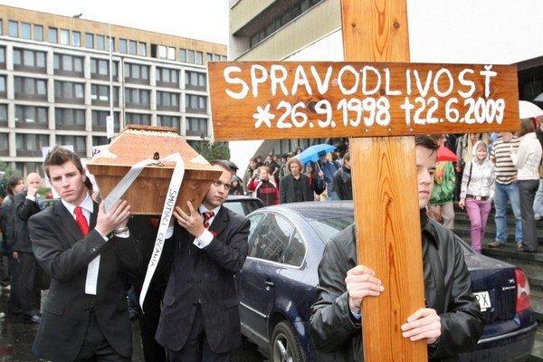 Protest proti  Štefanovi Harabinovi z roku 2009.