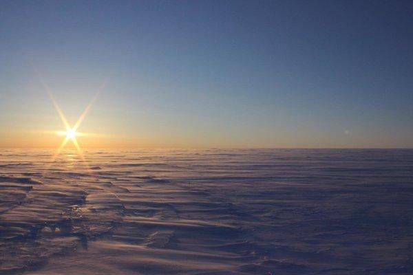 Devonská ľadová čapica ukrýva hyperslané jazerá, ktoré boli izolované 120-tisíc rokov.