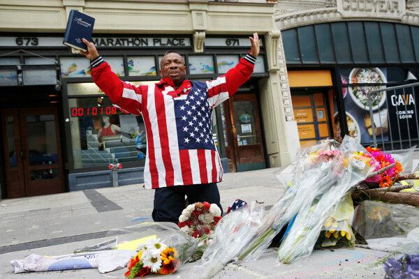 Americké mesto Boston si pripomenulo piate výročie bombového útoku na Bostonskom maratóne.