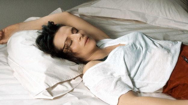 Juliette Binoche vo filme Vnútorné slnko.