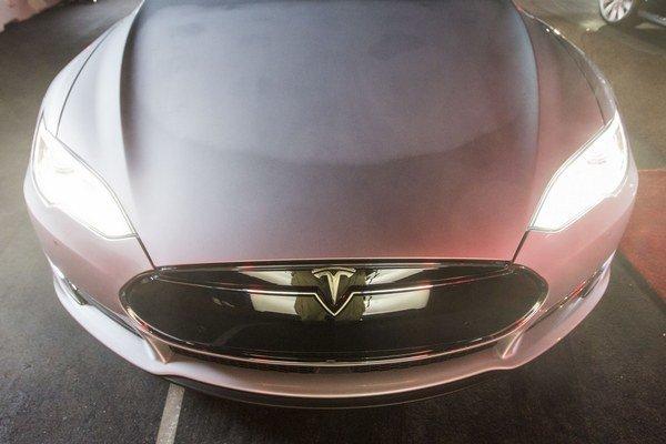 Tesla D.