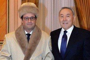 Kazašský prezident zverejnil fotku s Hollandom.