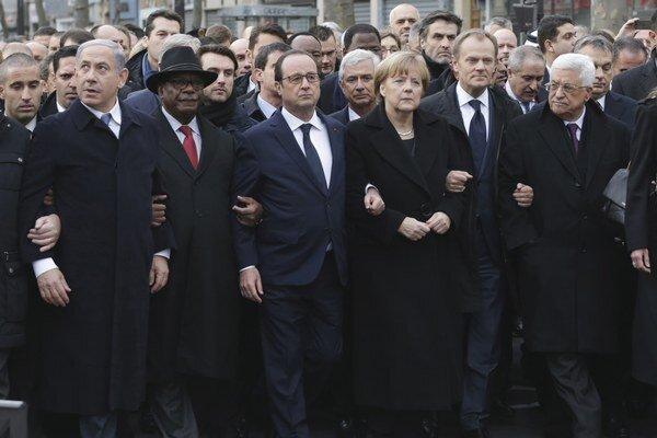 Politici pochodovali spoločne.