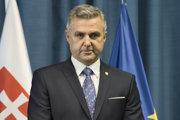 Bývalý policajný prezident Tibor Gašpar popiera, žeby v roku 2013 vedel o Vadalom založenej bunke ´Ndranghety na Slovensku.