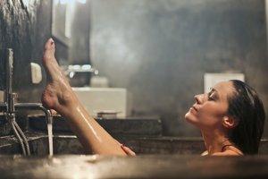 Pri intímnej hygiene postačí aj čistá voda.