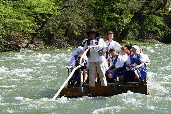Tradíciu pltníctva, ktorá sa viaže k histórii najkrajšiehoa najnebezpečnejšieho úseku na rieke Váh v Strečnianskom prielome,obnovili v roku 1999 po šiestich desaťročiach.