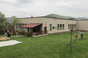 Na snímke budova materskej školy v Obišovciach.