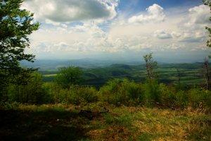 Výhľad na sever a severozápad z Makovice.