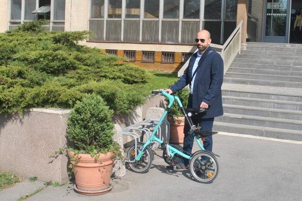 Stojanu sa potešil aj košický advokát Roman Fulka, ktorý nám prezradil, že na súdy jazdí na bicykli pravidelne.