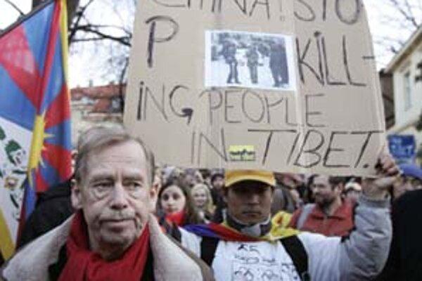 Václav Havel počas tohtoročnej demonštrácie na podporu Tibetu.