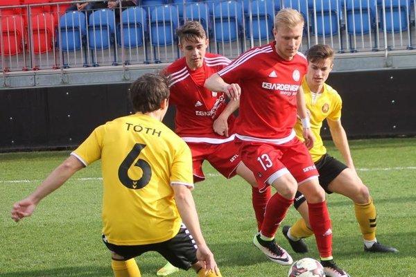 Futbalisti Partizána Bardejov už budú zaberať pod dohľadom nového trénera.