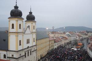 Protest Za slušné Slovensko v Trenčíne.
