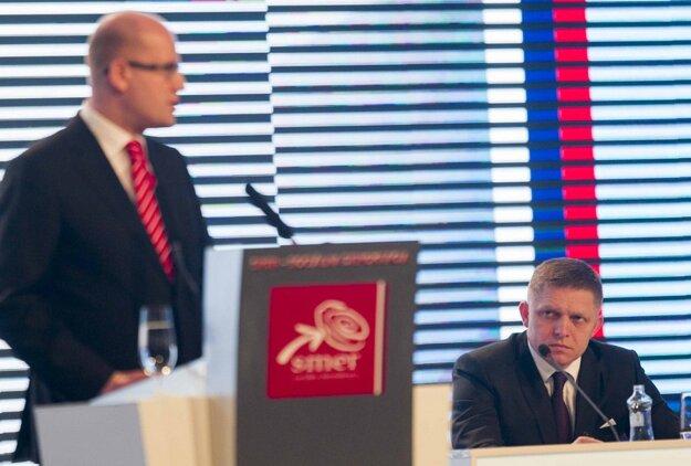 Sobotka musel byť uchvátený, že Fico dokáže vybaviť zjazd strany za štyri hodiny.