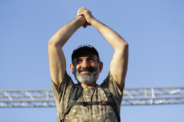 Líder arménskej opozície Nikol Pašinjan.