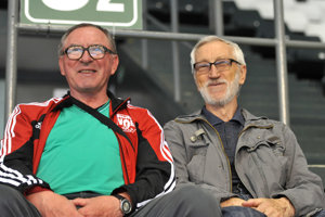 Čerství sedemdesiatnici. Peter Dvorčák (vľavo) aJuraj Závadinka.