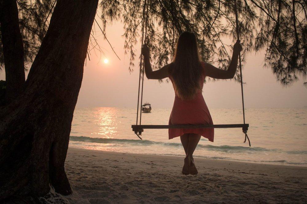 Východ slnka na pláži na ostrove Koh Rong, Koh Tui beach