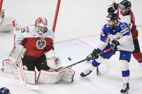 Slovenskí hokejisti zvíťazili nad Rakúskom.