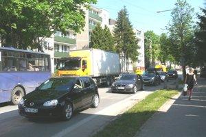 V bytovkách na Mudroňovej ulici radšej ľudia ani nevetrajú.