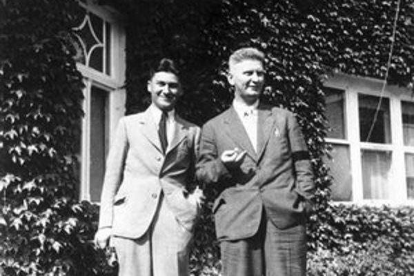Tomáš Baťa ml. (vľavo) so svojím nevlastným strýkom Janom Antonínom Baťom.