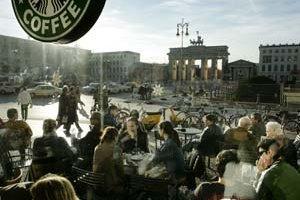 Jedna z dominánt Berlína – Brandenburská brána.